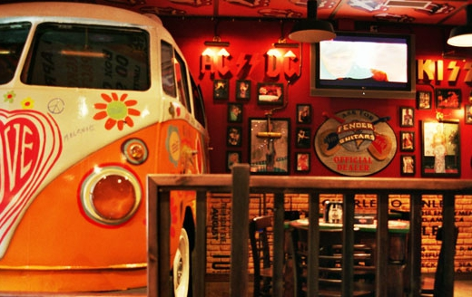 Decoracion tematica bares restaurantes vintage retro Rock & Roll musical (4)