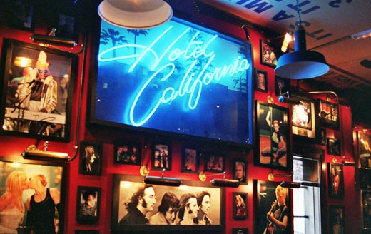 Decoracion tematica bares restaurantes vintage retro Rock & Roll musical (7)