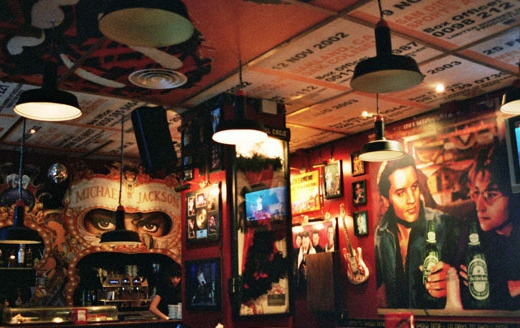 Decoracion tematica bares restaurantes vintage retro Rock & Roll musical (8)